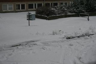 Snow outside sunday morning